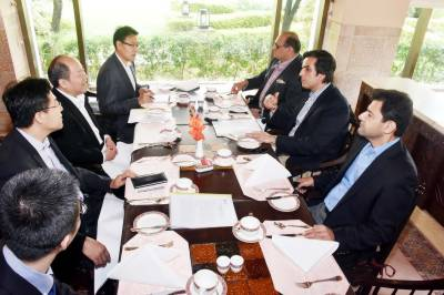 Pace of work on SEZs under CPEC expedited: Khusro