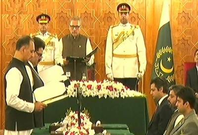 Three federal ministers, three state ministers sworn in