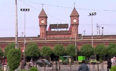 Supreme Court grills former Railways Minister Saad Rafique