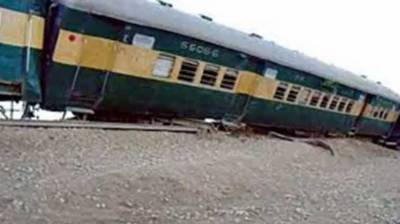 9 bogies of Khushhal Express derailed near Attock