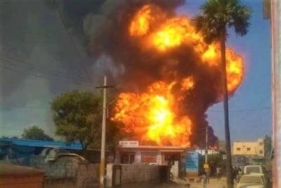 Three injured in blast at petrol pump