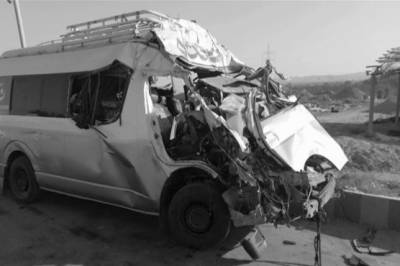 Van, truck collision kills 4 family members in Multan
