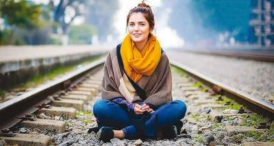 Young Pakistani singing sensation Momina Mustehsan creates history