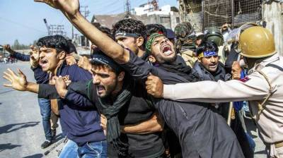 Indian troops crackdown at Muharram processions in Occupied Kashmir, dozens arrested