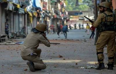 Indian troops use brute force against protesters in Occupied Kashmir