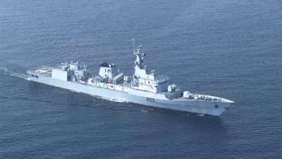 Pakistan Navy warship holds joint drills with French Navy ships