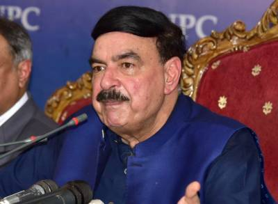 Railways Minister Sheikh Rashid gives a befitting response to Indian Army Chief