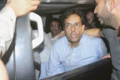 Captain (R) Safdar shifted to hospital in emergency, likely to be moved abroad