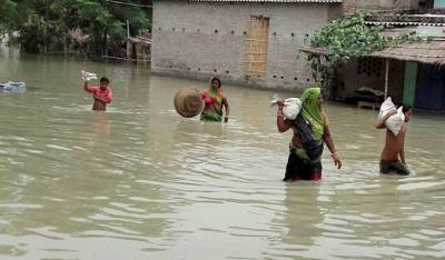 India's monsoon rainfall washes away Bus