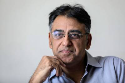 Finance Minister Asad Umar rejects summary regrading his brother Mohammad Zubair