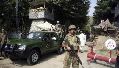 Pakistan Army two soldiers martyred, another two injured: Report