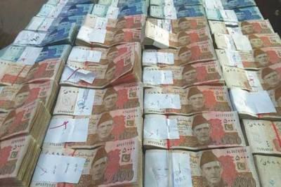 After Karachi street vendor, Punjab student becomes instant millionaire