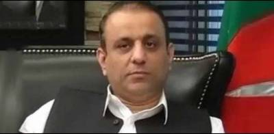 Aleem Khan lands in hot waters
