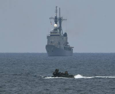 China condemns US over South China Sea operation