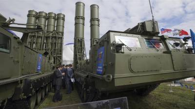 Russia sends S-300 missile system to Syria