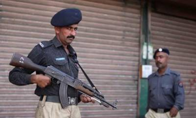IGP-Sindh announces reward for police team engaged in Lyari operation