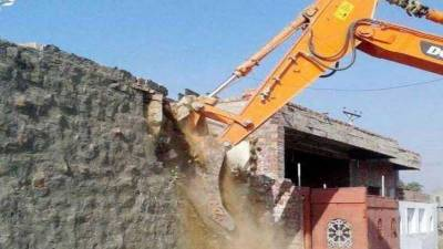 LRRA starts grand operation to clear road from illegal constructions