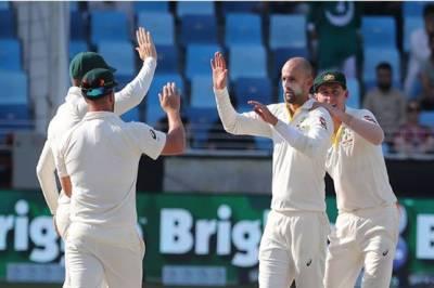 Pakistan top order collapses against Australia