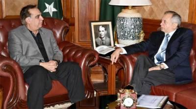 Abdul Razzak Dawood, Imran Ismail discuss matters of mutual interest
