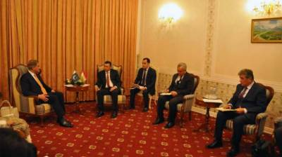 FM Qureshi, Tajik PM discuss ways to strengthen bilateral ties