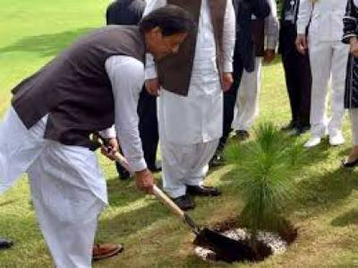 PM launches Clean and Green Pakistan campaign