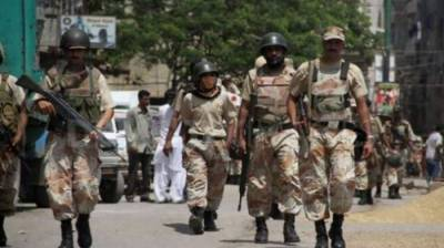 Rangers arrest 7 suspected criminals in Karachi