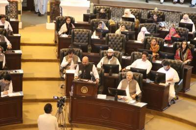 KP unveils Rs 648 bln tax free surplus budget for current fiscal year