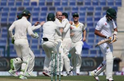Pakistan collapsed against Australia in the second test match