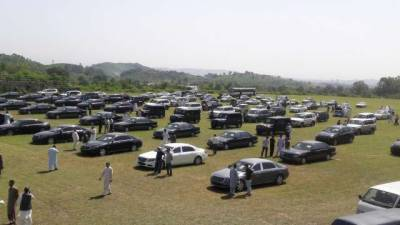 Mystery behind Pakistani former judge owing over 2200 cars in his name