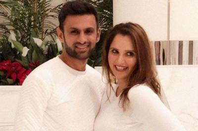 Baby Mirza Malik arrives, announce Shoaib and Sania