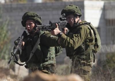 Israeli forces martyr a Palestinian on Gaza border