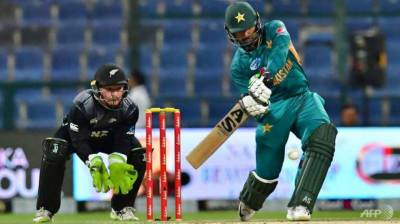 Pakistan down New Zealand by two runs in last-over T20 thriller
