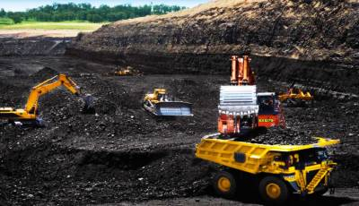 Thar mining, power project's first phase to be put into operation next year