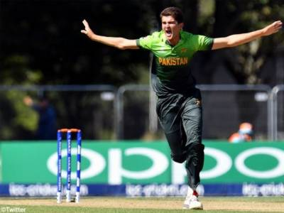 Shaheen Afridi drops to silver category of PSL