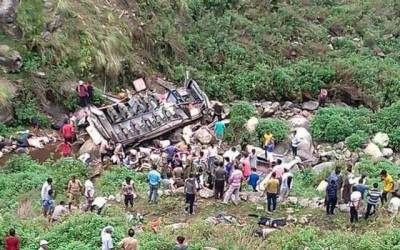 12 passengers die after bus falls into gorge in India