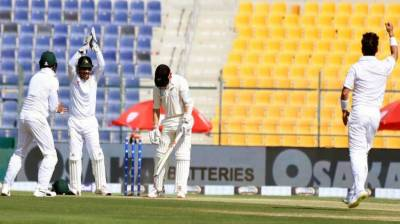 Abu Dhabi Test: Pakistan score 37 runs at stumps on 3rd day
