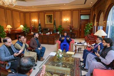 SP Tahir Khan Dawar martyrdom: PM Imran Khan meets the grieved family