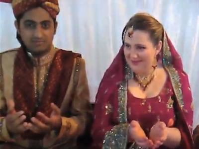Yet another American girl travels to Pakistan, embraces Islam before marrying Lahori boy