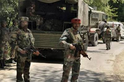 Four Kashmiri freedom fighters martyred, four Indian soldiers killed and injured