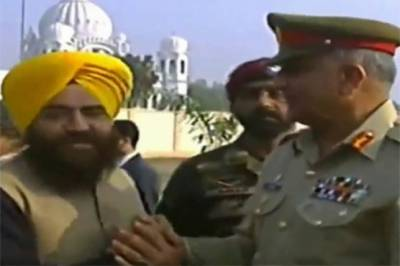 Indian media spew venom against Pakistan Army Chief hand shake with pro Khalistan Indian leader
