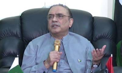 Zaidi asks Zardari to better concentrate about his foreign currency accounts instead of economy
