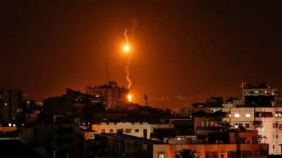 Israeli helicopter strikes southern Gaza Strip