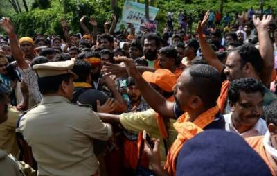 Violence and Clashes erupt in India after two women enter Hinduism holiest temples
