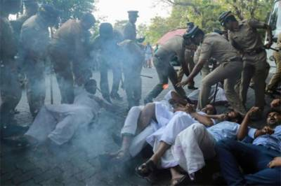 Fresh clashes erupt in India as Hindu hardliners went on rampage