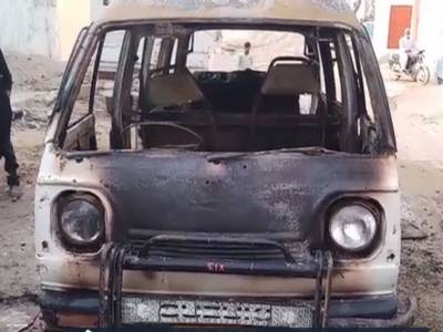Children injured after school van in Karachi catches fire