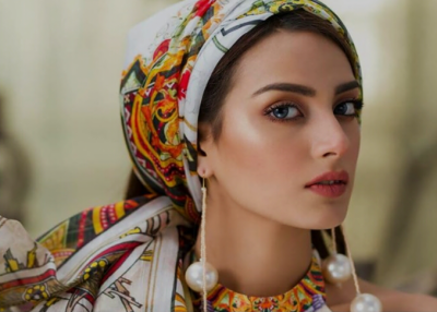 Famous Pakistani actor Iqra Aziz reveals her first love, bit of surprise too