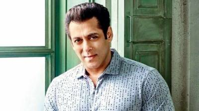 Salman Khan's father makes shocking revelations about his Dabang Son