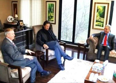 Top US Senator lauds PM Imran Khan's vision