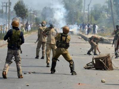 Massive demonstrations in occupied Kashmir against martyrdom of youth at hands of Indian troops