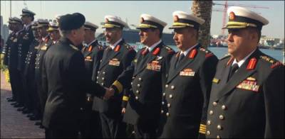 Pakistan Navy Chief given traditional homage upon arrival in Middle Eastern Kingdom